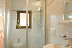 Dusche-Wohnung-1